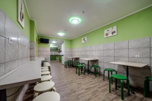 Ресторан / й інші заклади харчування у Ostriv Hostel