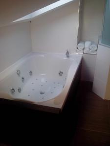 Un baño de La Ermita
