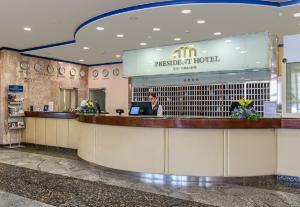 Лобби или стойка регистрации в President Hotel