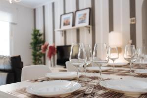 Un restaurante o sitio para comer en Apartamento centro Gran Poder