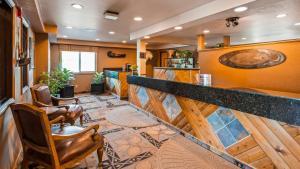 The lobby or reception area at Best Western Bidarka Inn