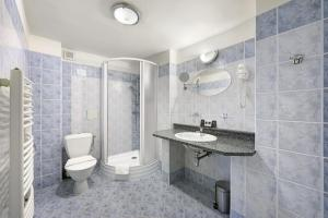 A bathroom at Hotel Zlaty Andel
