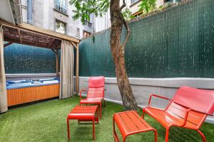 The swimming pool at or close to Five Boutique Hotel Paris Quartier Latin