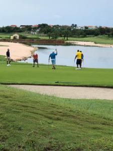 Golfe na villa ou nos arredores