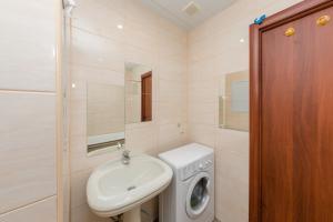 A bathroom at Apartment Flora