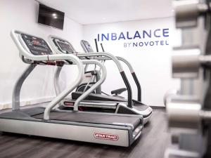 The fitness center and/or fitness facilities at Novotel Barcelona Sant Joan Despí
