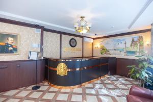 The lobby or reception area at Sem Admiralov Hotel