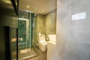 A bathroom at Clock Inn Colombo