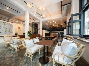 The lounge or bar area at Warm Window Silom