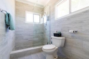 Um banheiro em Little Cactus Apartments Aruba