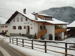 Zehentnerhof during the winter