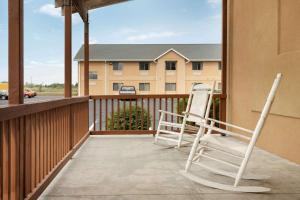 A balcony or terrace at Travelodge by Wyndham Marysville