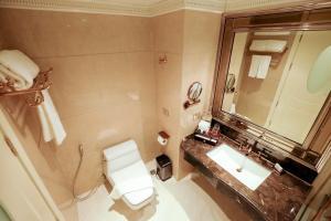 A bathroom at LK Emerald Beach