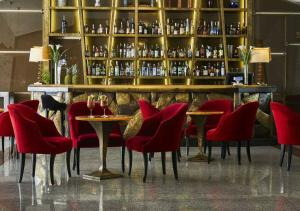 The lounge or bar area at FH55 Grand Hotel Palatino