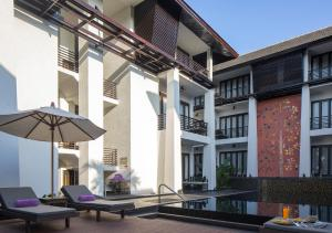 The swimming pool at or near U Chiang Mai