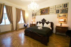 Postel nebo postele na pokoji v ubytování 7th HEAVEN Vienna Center Apartments