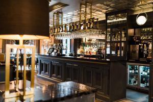 The lounge or bar area at Da Vinci's Hotel
