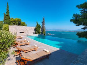 The swimming pool at or close to Nafplia Palace Hotel & Villas