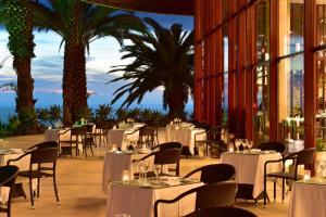 Um restaurante ou outro lugar para comer em Pestana Casino Park Hotel & Casino