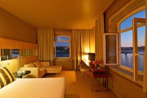 Гостиная зона в Pestana Palácio do Freixo, Pousada & National Monument - The Leading Hotels of the World
