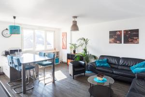 A seating area at 1Stays Apartment - Boulard