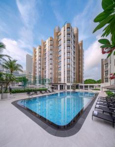 The swimming pool at or close to Le Grove Serviced Residences (SG Clean)