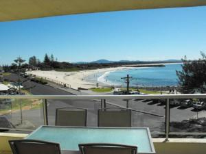 A balcony or terrace at Beachpoint, Unit 202, 28 North Street