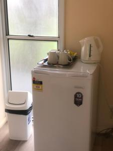 Coffee and tea-making facilities at Toobeah hotel/motel