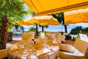 A restaurant or other place to eat at Royal Plaza Montreux & Spa