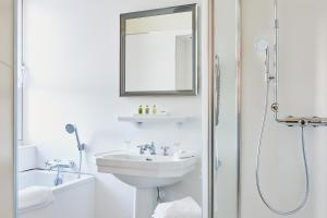 A bathroom at Le Clos - Relais & Chateaux