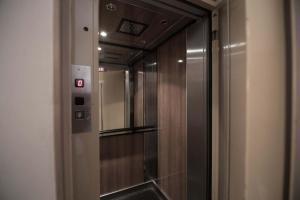 A bathroom at Hotel Alpine