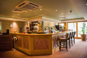 The lounge or bar area at Shendish Manor Hotel