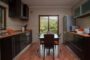 A cozinha ou kitchenette de M&A Douro Valley House