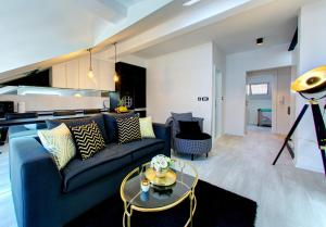 A seating area at Luxury apartment CRYSTAL