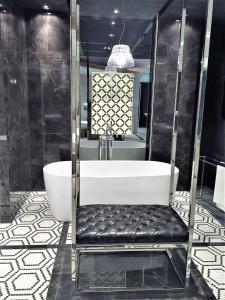 Vonios kambarys apgyvendinimo įstaigoje MONDRIAN Luxury Suites & Apartments Old Town Market Square I