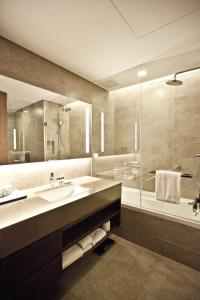 A bathroom at Four Points by Sheraton Seoul Station