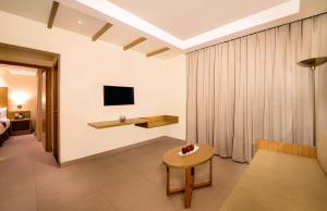 A television and/or entertainment centre at Sterling Puri