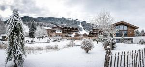 Puradies Hotel & Chalets im Winter