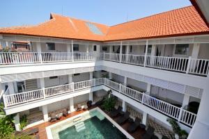 A balcony or terrace at Samsara Inn