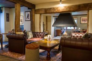 A seating area at Innkeeper's Lodge Huddersfield, Kirkburton