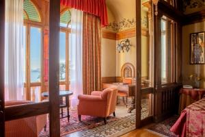 A seating area at Hotel Villa Del Sogno