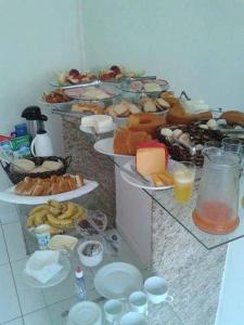Breakfast options available to guests at Hotel Sanbru