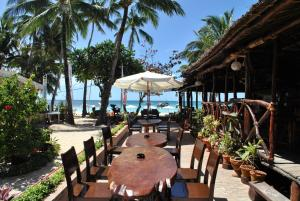 A restaurant or other place to eat at Surfside Boracay Resort And Spa