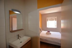 Um banheiro em Dushi Pietermaai Apartments