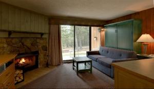 A seating area at Douglas Fir Resort & Chalets