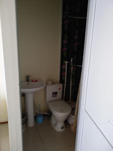 Ванная комната в Baksan Inn