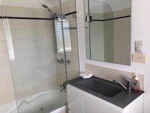 A bathroom at Beechwood 6