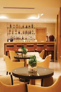 Lounge oder Bar in der Unterkunft Divani Palace Larissa