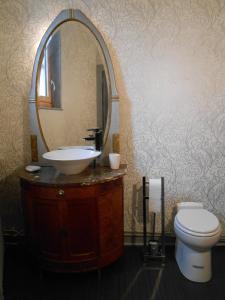 A bathroom at La Passagere