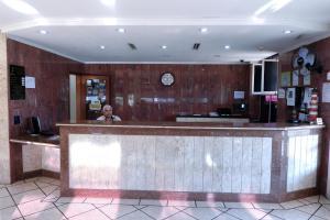 The lobby or reception area at OYO Hotel Almanara